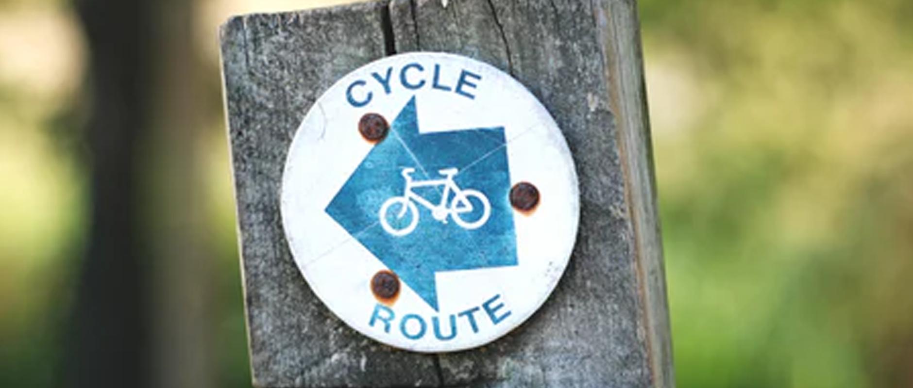poster image 10 raisons d'aller au boulot à vélo dès aujourd'hui. Diminuer les risques d'accidents. - 10 raisons d'aller au boulot à vélo dès aujourd'hui.