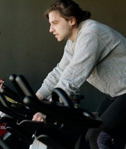 gym sport 253x300 - Le cyclisme dans l'entraînement des footballeurs