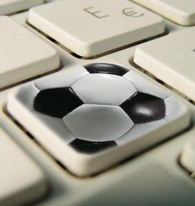clavier sport 284x300 - Football : voici les meilleurs sites, stats et applications