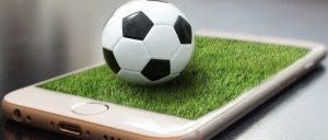 téléphone portable 300x128 - Football : voici les meilleurs sites, stats et applications