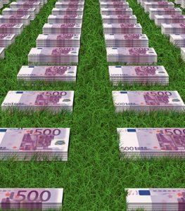 euros 263x300 - Sponsors liés aux jeux d'argent: voici les problèmes qu'ils occasionnent dans le football