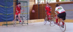 cycle ball sport 300x132 - Cycle-ball: un mix entre cyclisme et football