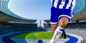 joueur de football 300x152 - Football: l'entraînement via la réalité virtuelle en est-il le futur ?